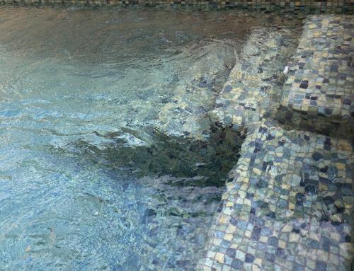 Transforme su piscina en un paraíso terrenal con Green Bali, de Paradise Stones
